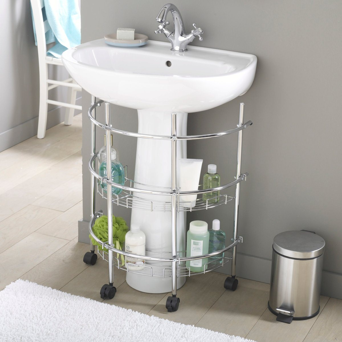 Optimiser une petite salle de bains 8 astuces indispensables for Meuble avec lavabo pour salle de bain