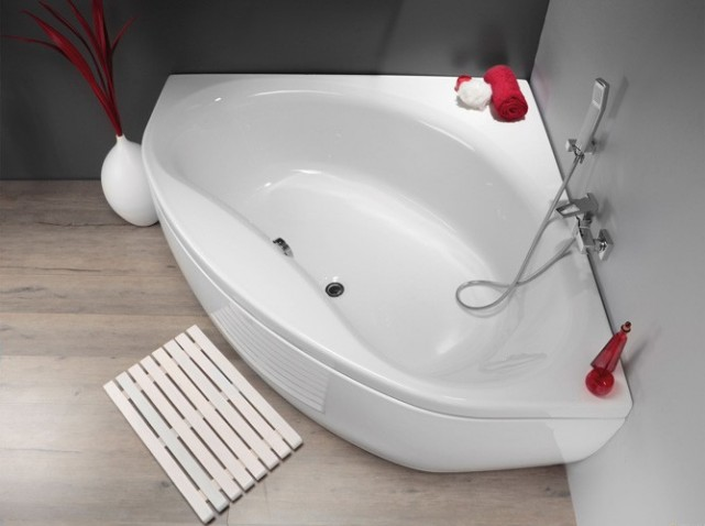 Optimiser une petite salle de bains 8 astuces indispensables for Baignoire petite profondeur