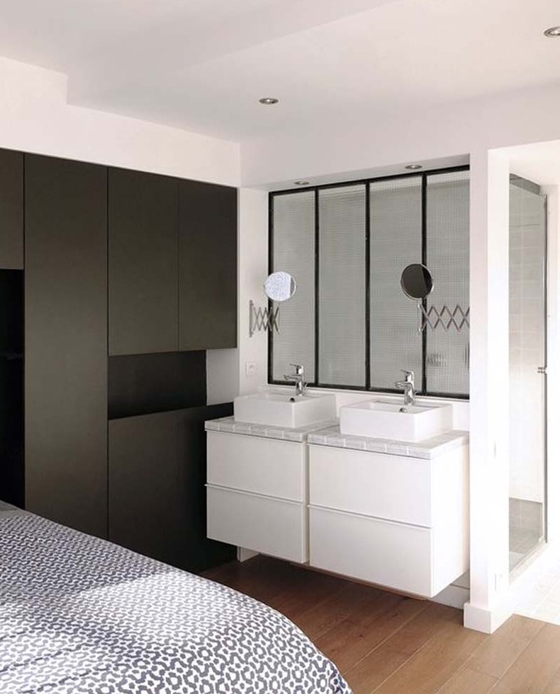 5 astuces pour transformer sa chambre coucher en suite moderne. Black Bedroom Furniture Sets. Home Design Ideas