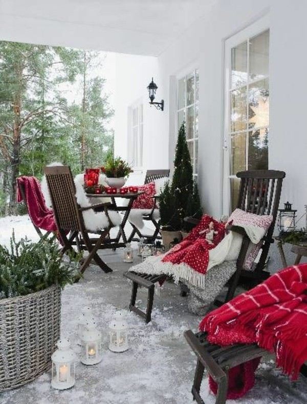 terrasse decoration noel blanche rouge