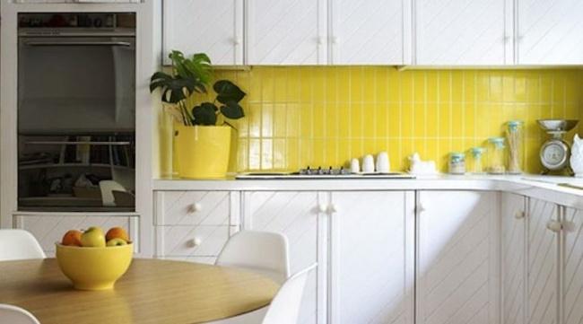 carrelage m tro dans la cuisine une d coration tendance et moderne. Black Bedroom Furniture Sets. Home Design Ideas