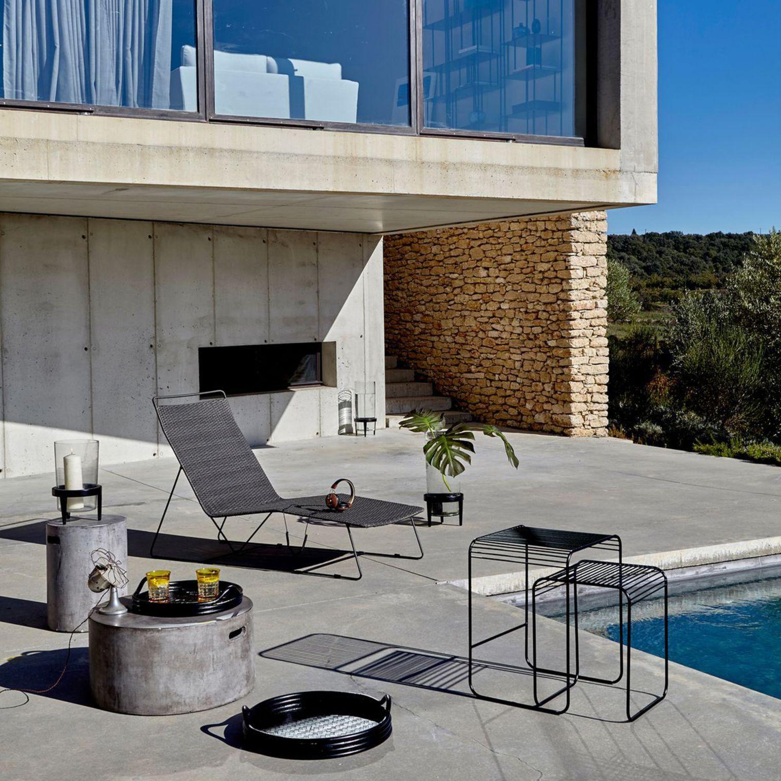 15 transats ou chaises longues design poser au bord de la piscine - Transat piscine design ...